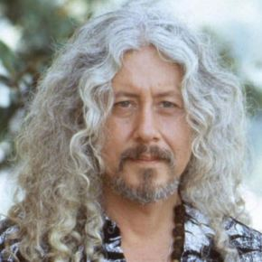 Concert Review: Arlo Guthrie Reaffirms Faith For Folkie Faithful