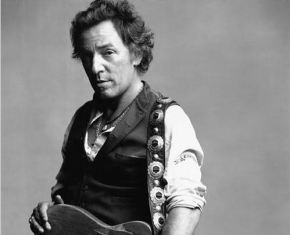 Concert Review: Bruce Springsteen Embraces, Celebrates Legacy At MilwaukeeStop