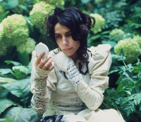 Review: PJ Harvey Draws Simplified Song Sketches With 'White Chalk'