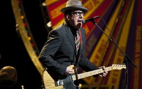 Concert Review: Elvis Costello Uses Hits, Deep Cuts To Signal Artistic Vitality