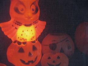 Soundbytes: Pop Music's 5 Frighteningly Great HalloweenSongs